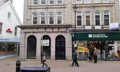 9 Bank Street, NEWQUAY